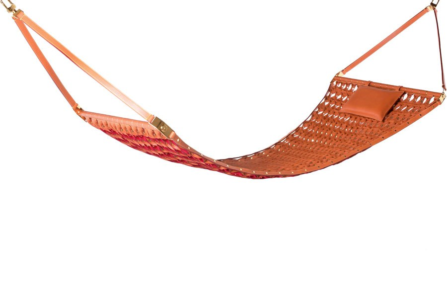 item3.rendition.slideshowWideHorizontal.louis-vuitton-04-the-hammock
