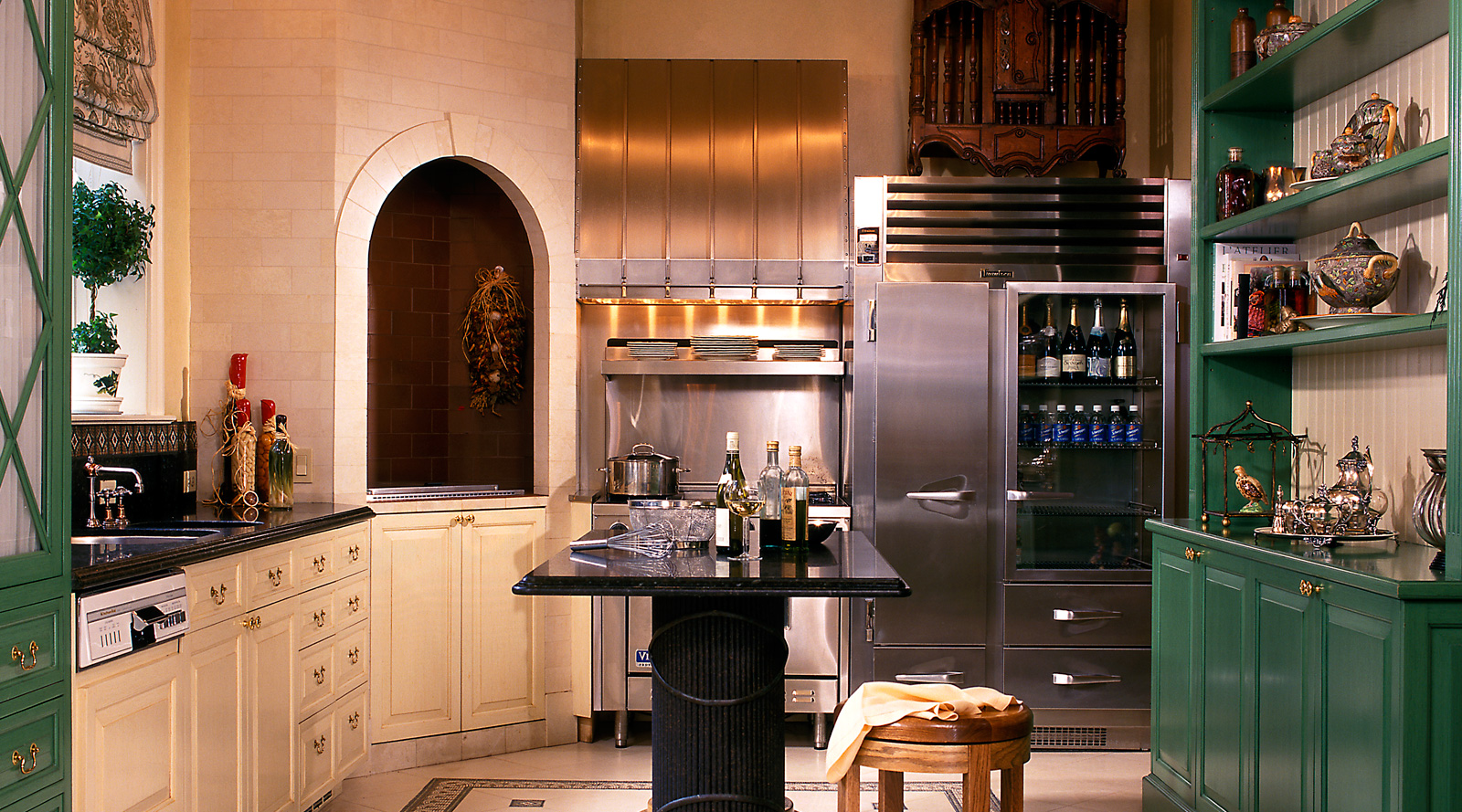 Lake Shore Drive Mansion Kitchen